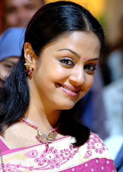 South indian Top Actress Jyothika Biography 2011 | Google ...