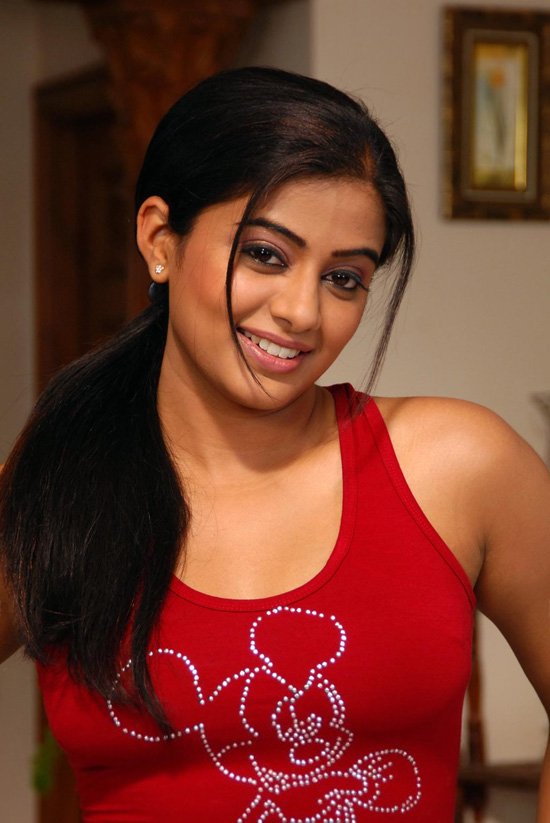 South Indian Actress Rare Image Collections 2011  Google -4148